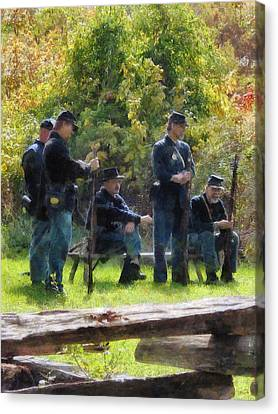 Group Of Union Soldiers Canvas Print