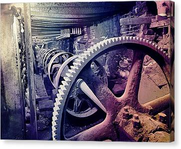 Canvas Print featuring the photograph Grunge Large Gear by Robert G Kernodle