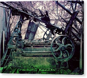 Canvas Print featuring the photograph Grunge Steam Engine by Robert G Kernodle