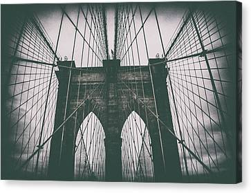 Grungey Brooklyn Bridge Canvas Print by Martin Newman