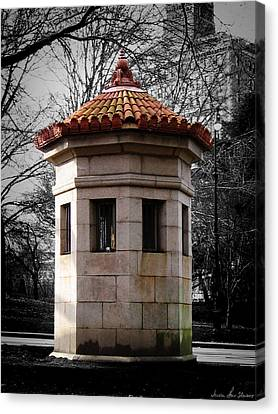 Guardhouse In Prospect Park Brooklyn Ny Canvas Print by Iowan Stone-Flowers