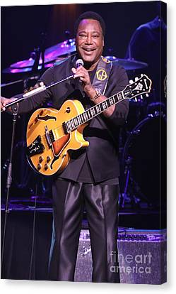 Guitarist George Benson Canvas Print by Concert Photos