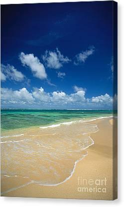 Haena Beach Canvas Print by Greg Vaughn - Printscapes
