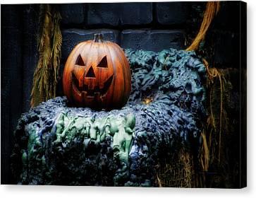 Halloween Jack O Lantern Canvas Print by Thomas Woolworth