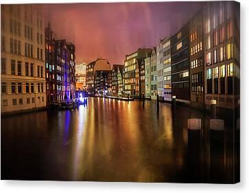 Hamburg By Night  Canvas Print by Carol Japp