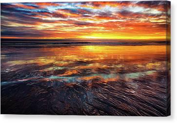 Canvas Print featuring the photograph Hampton Beach by Robert Clifford