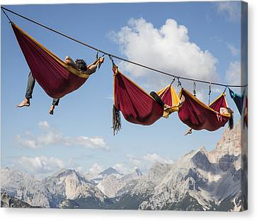 Hanging Out Canvas Print by Sebastian Wahlhuetter