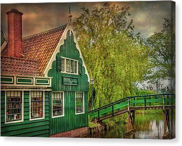 Canvas Print featuring the photograph Haremakerij At The Brook by Hanny Heim