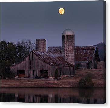 Harlinsdale Moon Canvas Print by Davin McLaird