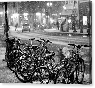 Harvard Square Cambridge Ma Snowy Bicycles Black And White Canvas Print by Toby McGuire