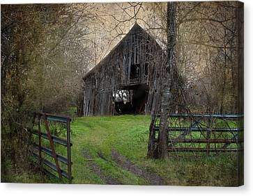 Haunted Barn Canvas Print by Lisa Moore