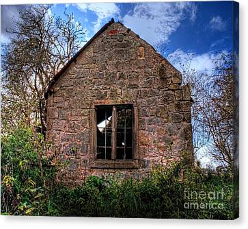 Haunted House Hdr Canvas Print by Chris Smith