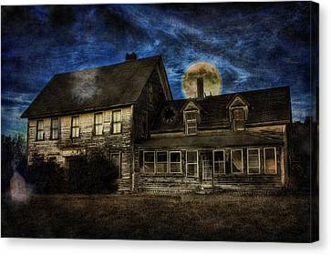 Haunted Nights Canvas Print by Gary Smith