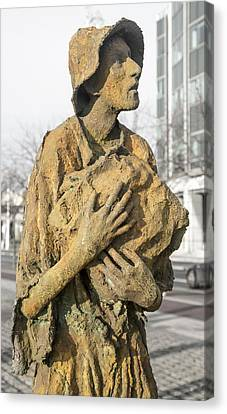 Haunting Reality Famine Memorial And World Poverty Stone Canvas Print by Betsy Knapp