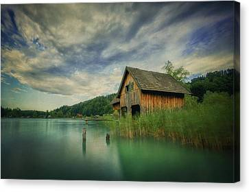 Haus Am See Canvas Print by Martin Podt