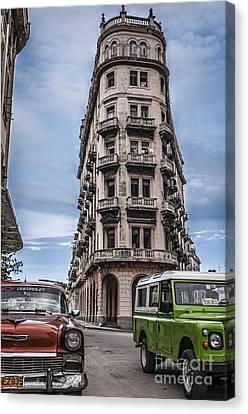 Havana Old Cars Canvas Print