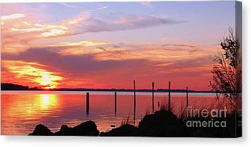 He Paints The Sky Canvas Print by Benanne Stiens