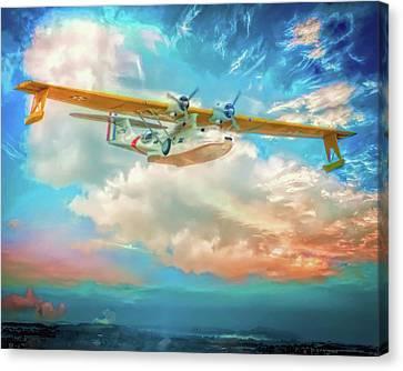 Canvas Print featuring the photograph Heading Home by Steve Benefiel