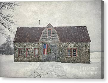 Maine Barns Canvas Print - Heartland by Evelina Kremsdorf