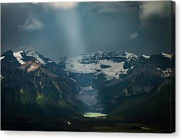 Canvas Print featuring the photograph Heavenly Lake Louise by William Lee