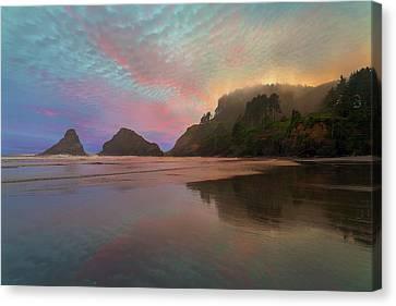 Heceta Head Lighthouse Foggy Sunset Canvas Print by David Gn