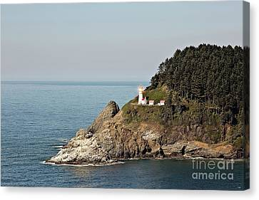 Heceta Head Lighthouse With Bright Light Canvas Print