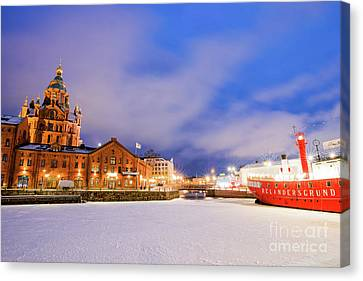 Canvas Print featuring the photograph Helsinki By Night by Delphimages Photo Creations