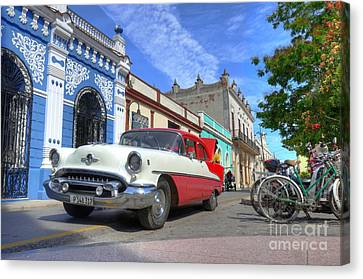 Historic Camaguey Cuba Prints The Cars Canvas Print by Wayne Moran