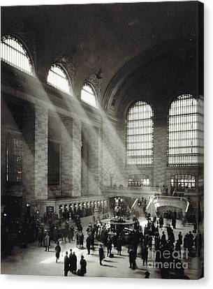 Holiday Crowd At Grand Central Terminal, New York City, Circa 1920 Canvas Print by American School