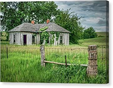 Home Place - Farmhouse - Kansas Canvas Print by Nikolyn McDonald