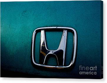 Honda Civic Hood Badge - Img4514 Canvas Print by Wingsdomain Art and Photography