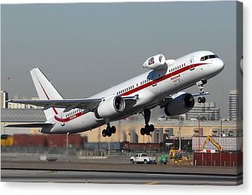 Honeywell Boeing 757 Engine Testbed At Phoenix Sky Harbor On November 11 2010 Canvas Print by Brian Lockett