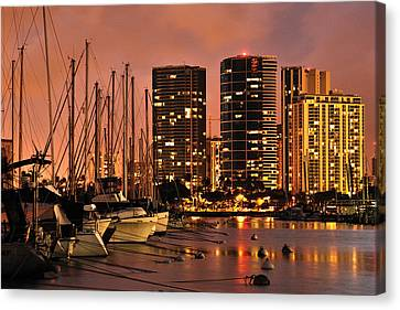 Honolulu Canvas Print by Don Wolf
