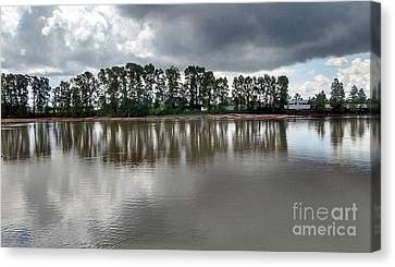 Canvas Print featuring the photograph Horizon Line by Bill Thomson
