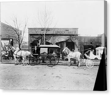 Horses And Carriages In Front Canvas Print by Everett