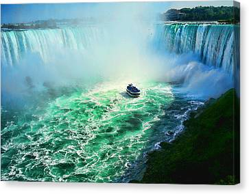 Horseshoe Falls Niagara Canvas Print by Lawrence Christopher