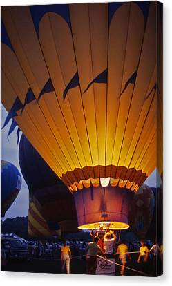 Hot Air Balloon - 10 Canvas Print by Randy Muir