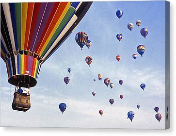 Hot Air Balloon - 12 Canvas Print