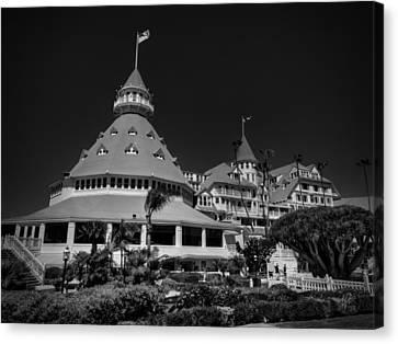 Hotel Del Coronado 001 Bw Canvas Print by Lance Vaughn