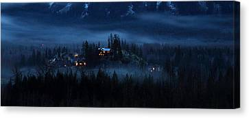 House On Haunted Hill Pemberton Canvas Print by Pierre Leclerc Photography