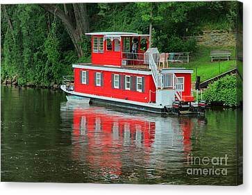 Houseboat On The Mississippi River Canvas Print
