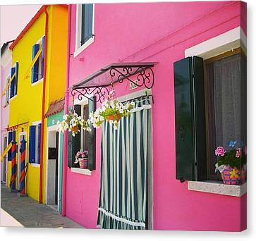 Houses Of Burano 8 Canvas Print