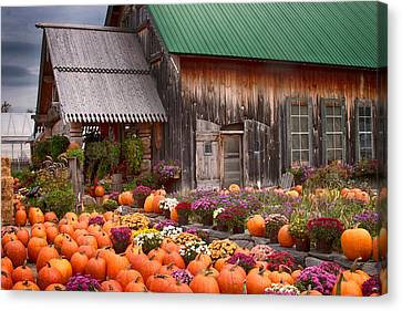 Hudaks Cider Mill And Farmstand Canvas Print by Jeff Folger