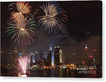 Hudson River Fireworks Iv Canvas Print