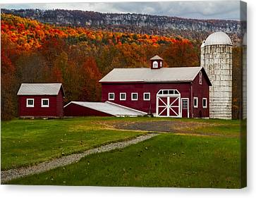 Hudson Valley Ny Countryside Canvas Print by Susan Candelario