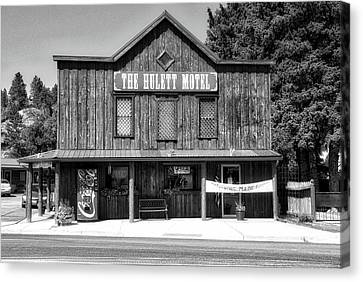 Hulett Wyoming Motel Bw Canvas Print by Thomas Woolworth