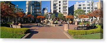 Huntington Park, Nob Hill, San Canvas Print by Panoramic Images