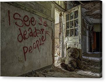 I See Dead People Canvas Print by Robert Myers