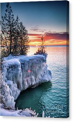 Canvas Print featuring the photograph Icicle Cliffs by Mark David Zahn