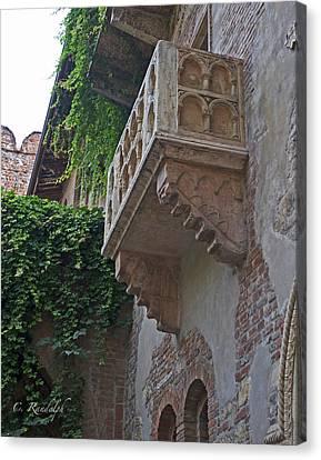 Il Balcone De Giulietta Canvas Print by Cheri Randolph